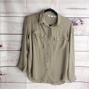 UniQlo  button down shirt size s